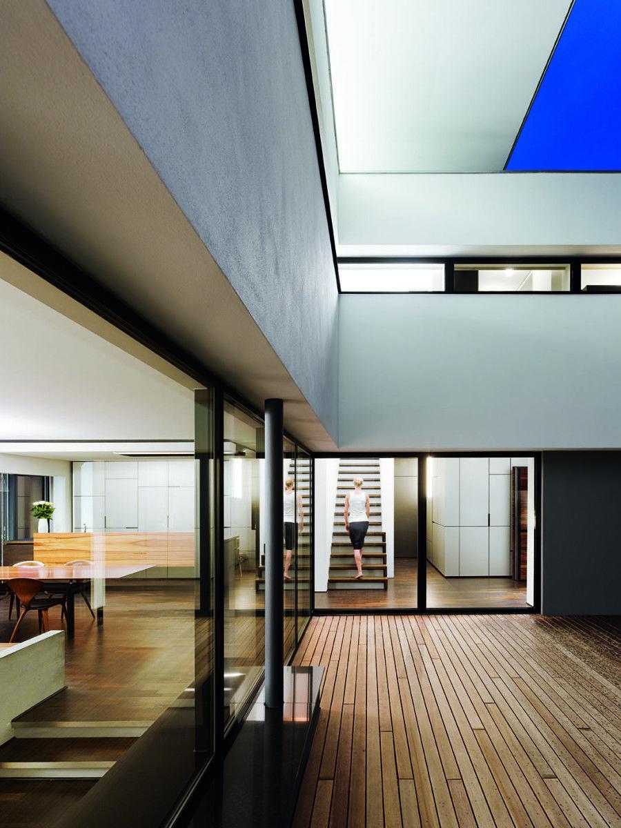 Im Winkel Des Hauses Liegt Eine Nach Sudwesten Gerichtete Terrasse