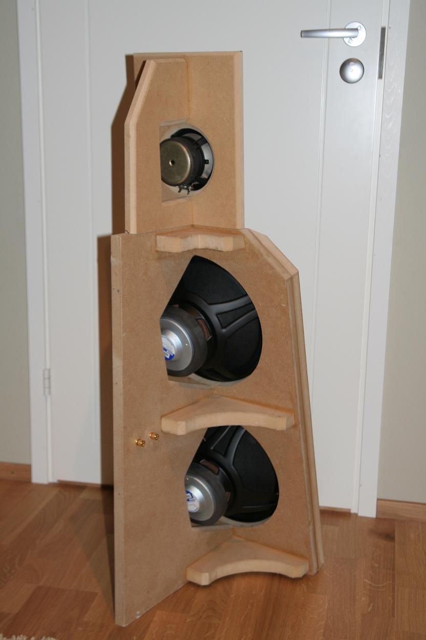 A Dipole Speaker With Single Jordan Jx92 And Two Peerless