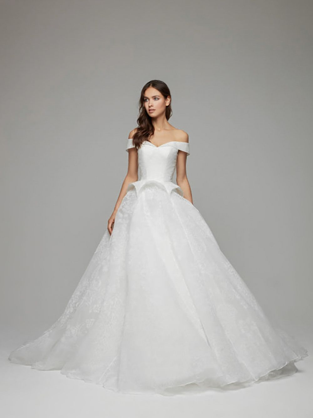 Nuvar Wedding Dress A Dress To Be Remembered Nuvar Is For The Fashion Forward Bride Looking To Wow Complete With Off The S Dresses Wedding Dresses Ball Gowns