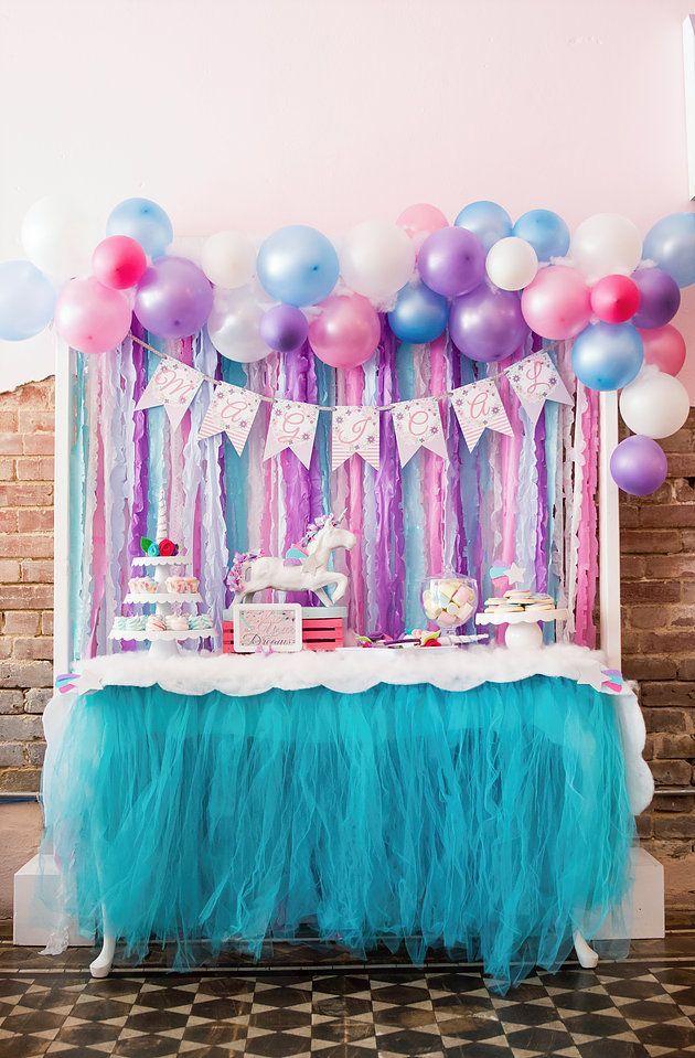 Magical unicorn party girl birthday party ideas themes for Guirnaldas para fiestas infantiles