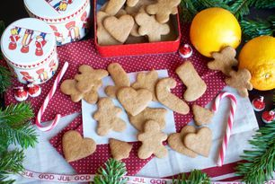 The best gingerbread christmas cookies