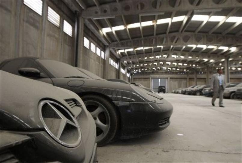 15 High-End Cars Abandoned In Dubai | Abandoned cars, Abandoned and