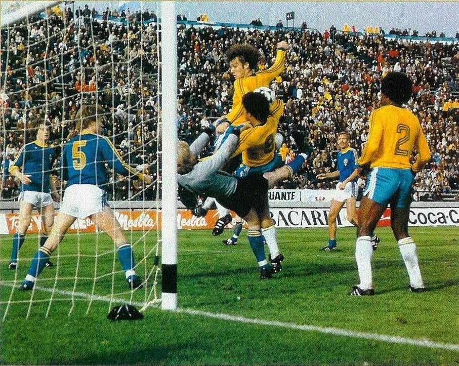 Brazil 1 Sweden 1 in 1978 in Mar del Plata. Swedish keeper