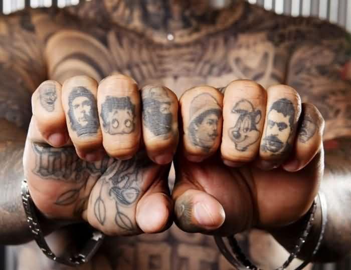 Tatuajes En Los Nudillos