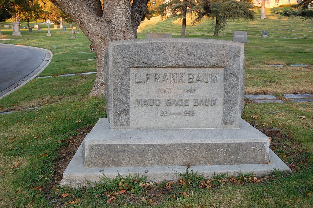 l frank baum grave at forest lawn cemetery in glendale california rh pinterest com