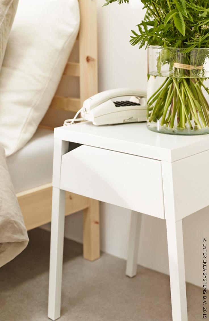 Meubles Luminaires Deco D Interieur Et Plus Encore Mobilier De Salon Table De Chevet Ikea Table De Chevet Blanche