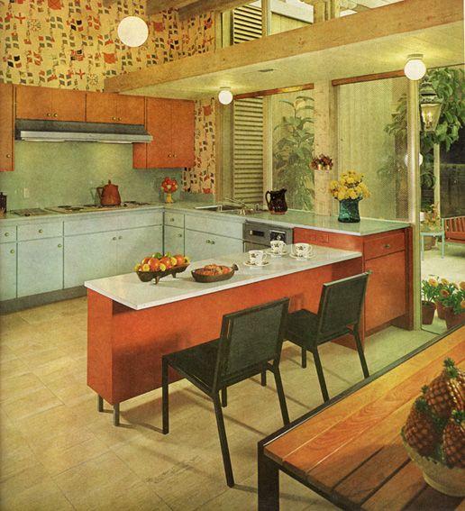 Cuisine avec comptoir épi servant de bar d'un côté et rangement de l'autre créée en 1964   Bar ...