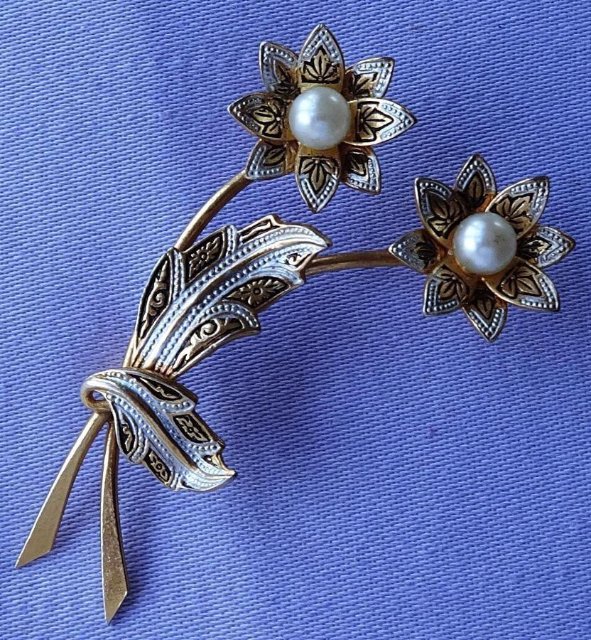 Vintage DAMASCENE Pearl Enamel Double Daisy Flower Brooch