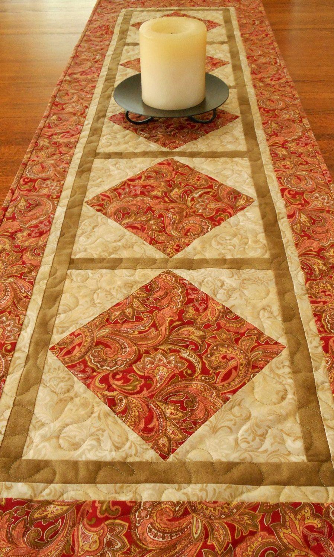 Quilted Table Runner - Red Paisley | Läufer, Tischdecken und Deckchen