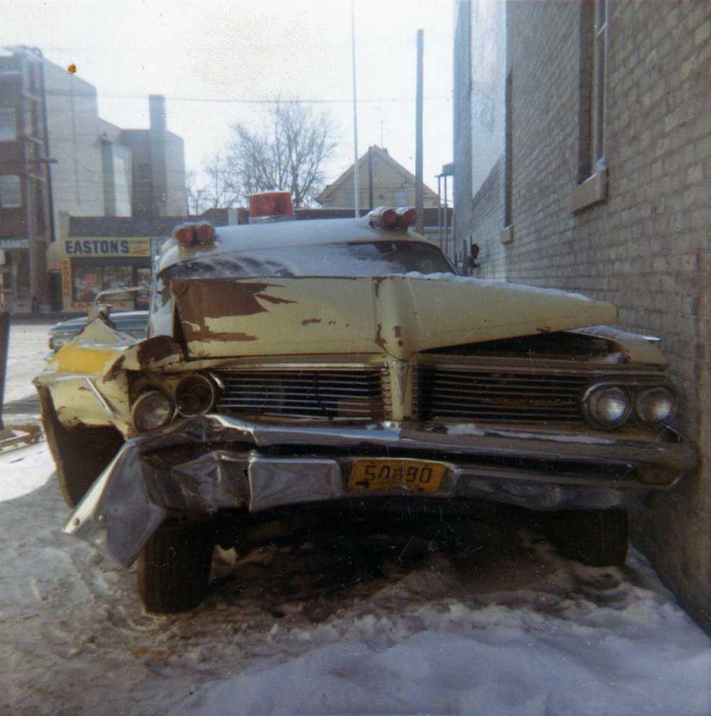 Vintage 1962 Pontiac ambulance after smashup totaled (Astorian ...
