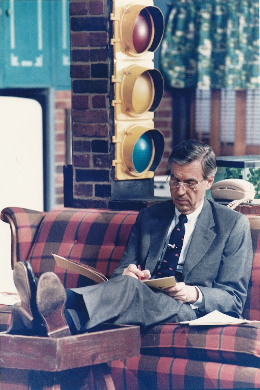 11 Parenting Lessons Mister Rogers Taught Me Mr Rogers Mister Rogers Neighborhood Fred Rogers