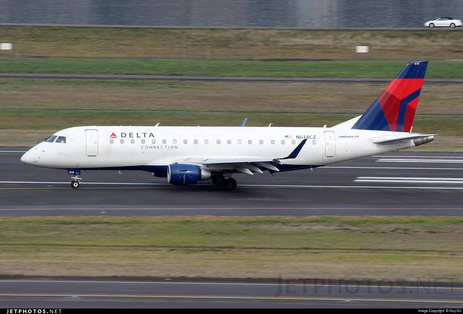 Embraer 170-200LR by Huy Do