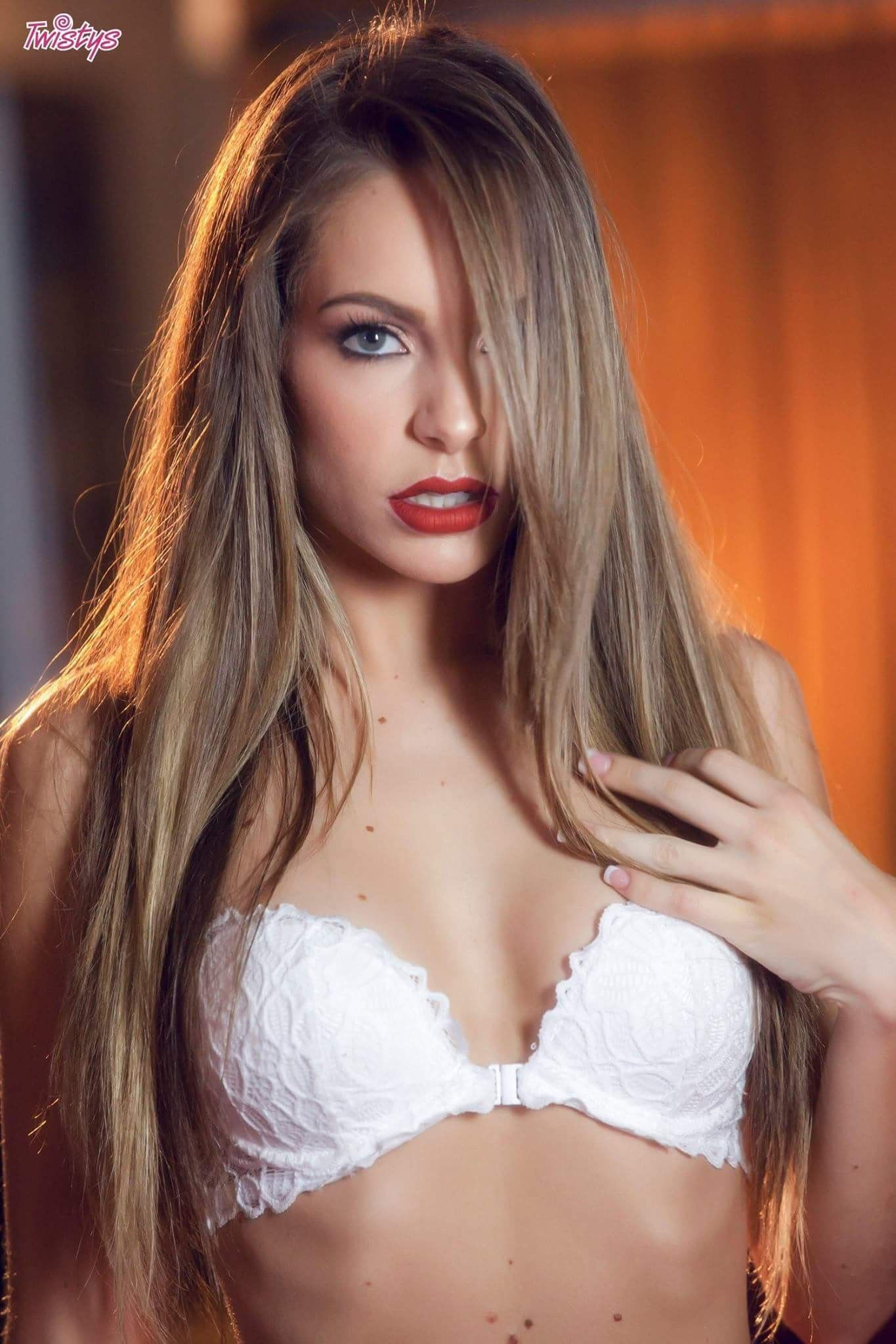 Kimmy granger maid torrent