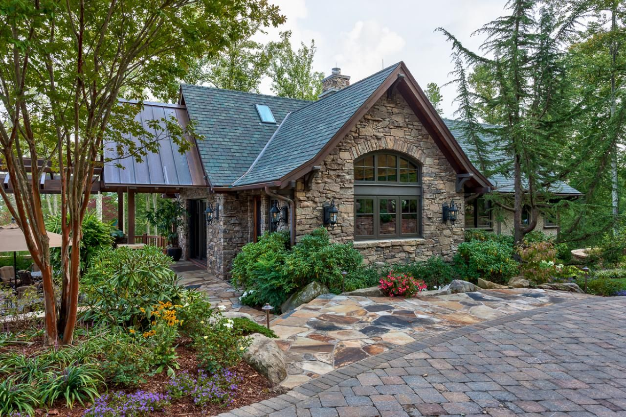Amazing Outdoor Space in Mountain Setting | Stone exterior ...