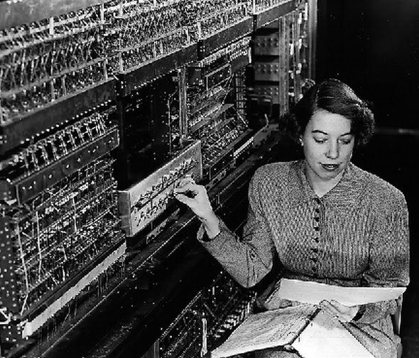 Old Photos of the First Generation of Computers
