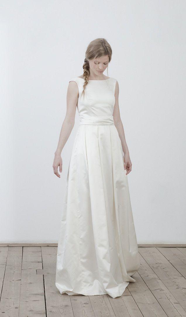 elfenkleid Modell white froth mit Schärpe © Victoria Schaffer ...