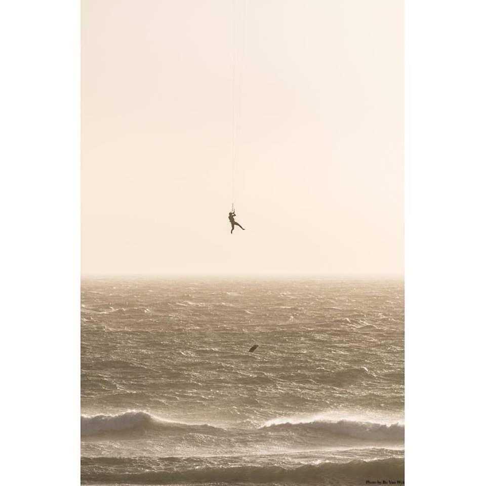 Oups More News and Videos on http://universkite.com - #kitesurf #photooftheday #universkite.fr #kitesurfingphotos #kiteboardingphotos #kiteboarding #kiting #kitesurfersparadise #livetokite #kiteboard #kitesurfing #kite #kitesurfers #kitesurfingphotography #kitewave #watersportsaddict #kiteboardingzone #kiteaddicted #kitesurfbeach #kiteboard #kiteboardingzone #kitesurfen #kitespot #rci #kiteboarder #kitesurfadventure #kitesurfingworld