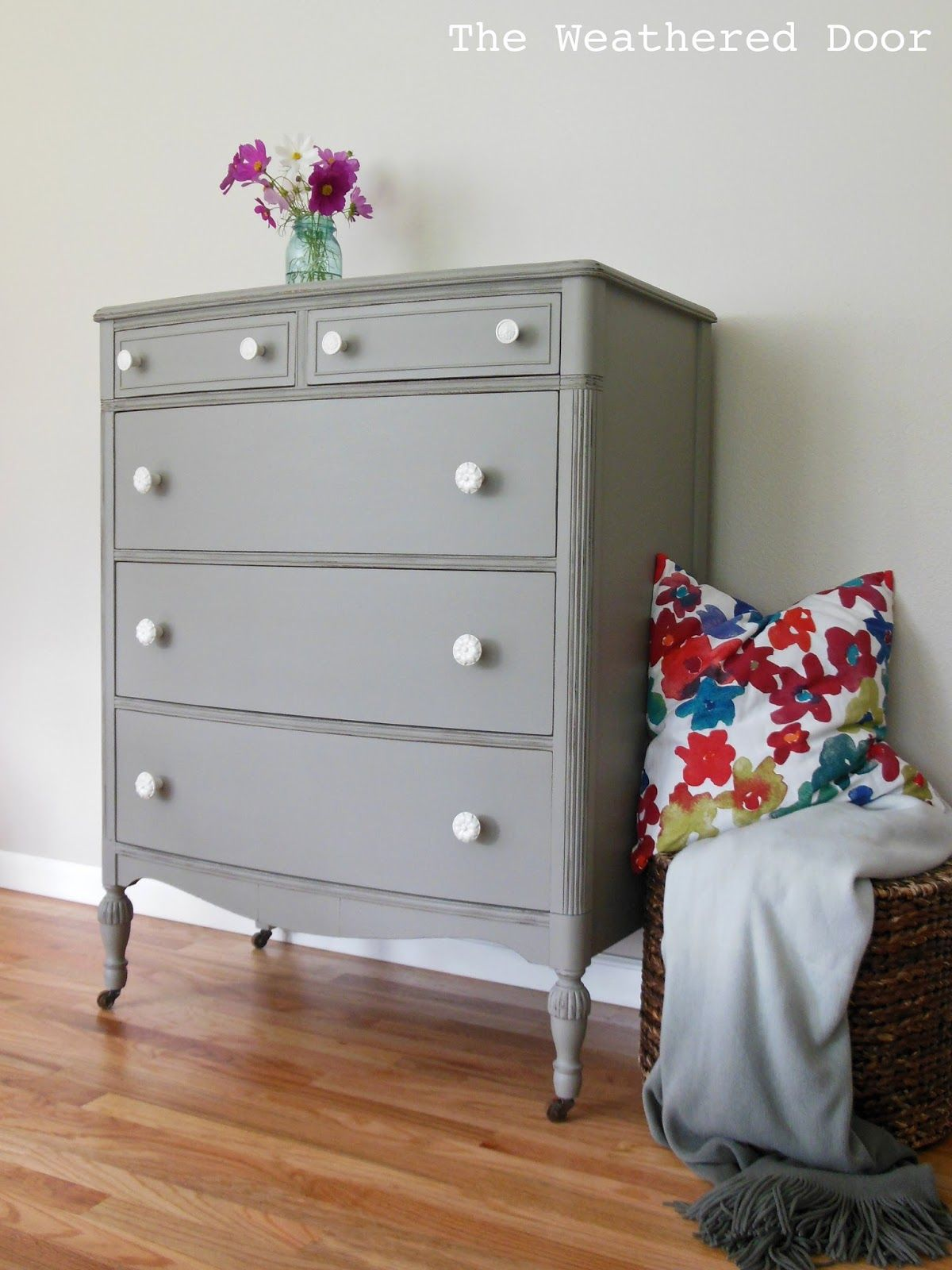 I Picked This Dresser Up Along With The Matching Smaller One At An Estate Sale I Love The Style Of Them And Grey Dresser Gray Painted Furniture Redo Furniture [ 1600 x 1200 Pixel ]