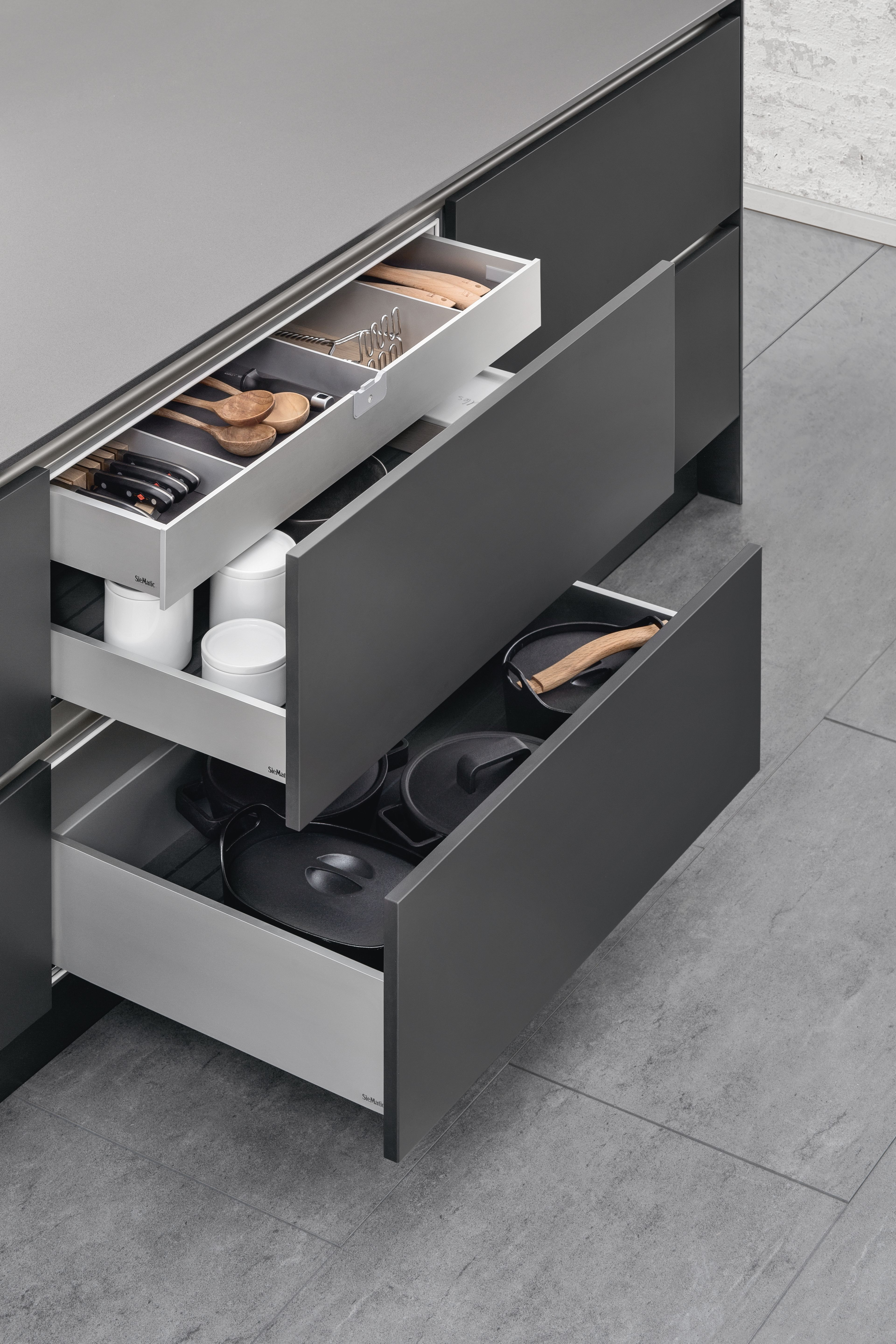 Best Siematic Inside For Drawers And Pull Outs The Internal 400 x 300