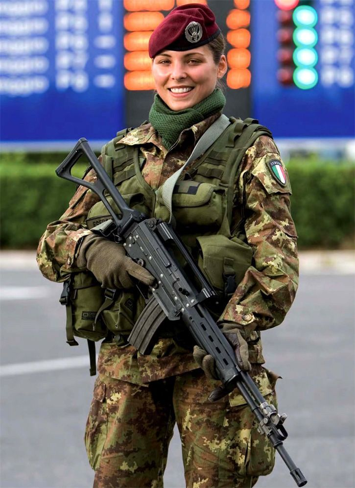 Army female photo 78