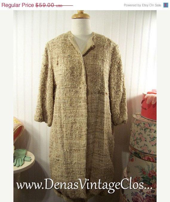 50% Off Summer Clearance Vintage 60s Khaki Ivory Bulky Wool Boucle' Suit 2 Pc  Jacket  Coat Skirt  Sz M