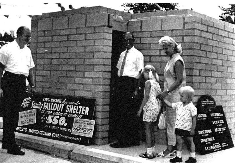 Fallout Shelter Nostalgia >> Pin By Stl Dody On Vintage Nostalgia Nuclear Family Fallout