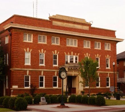 Abbeville Sc Opera House Pretty Places Haunted Places Cool Places To Visit