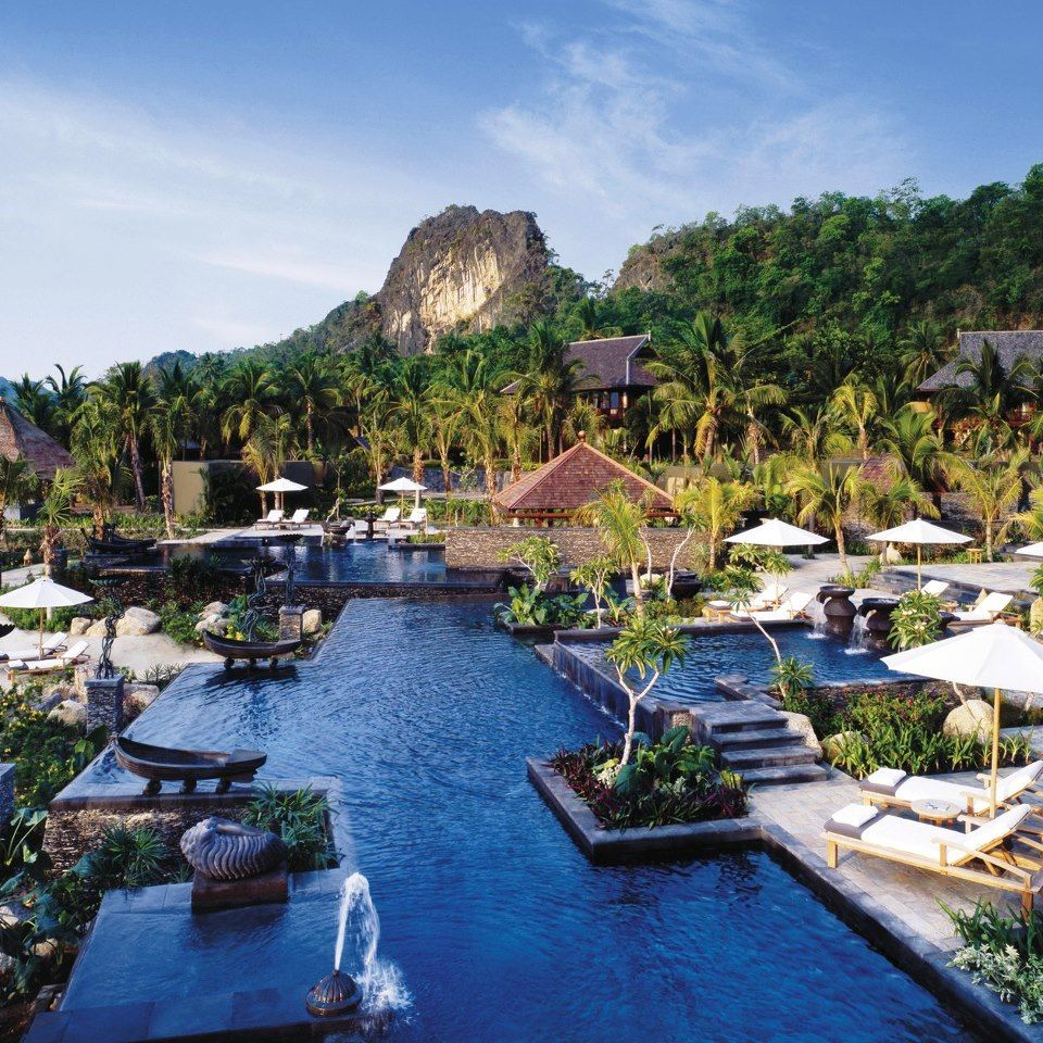 7 Luxurious Honeymoon Destinations Hotels: Favorite Places & Spaces In 2019