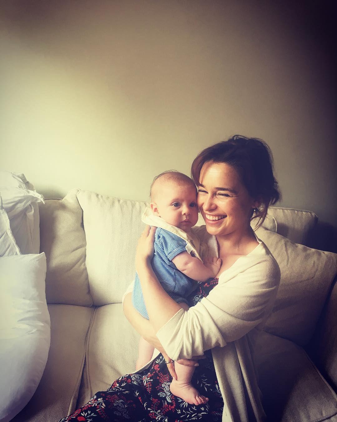 Clarke baby emilia Kit Harington,