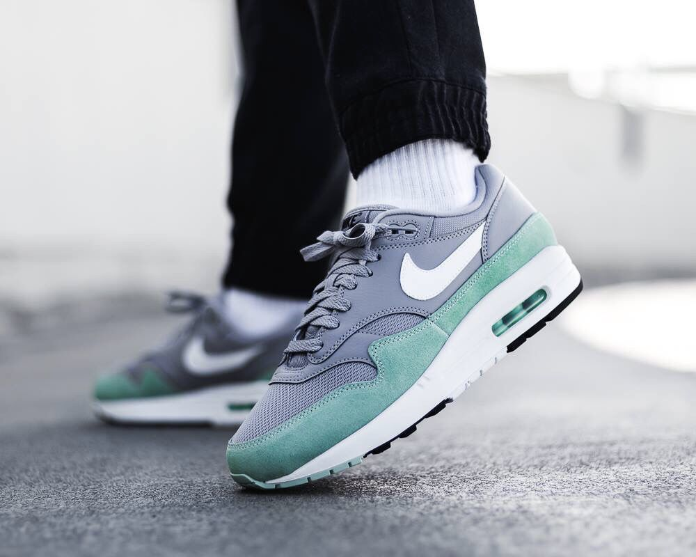 wholesale dealer e0649 fcb1a Nike Air Max 1   Shoes in 2019   Nike, Nike air max, Sneakers
