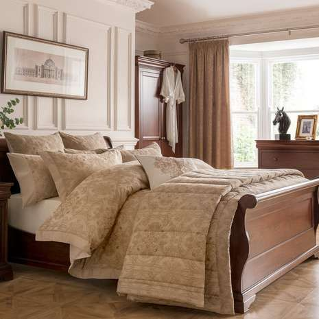 This exquisite Dorma duvet cover in gold, come with a stylish ... : dorma quilted bedspreads - Adamdwight.com