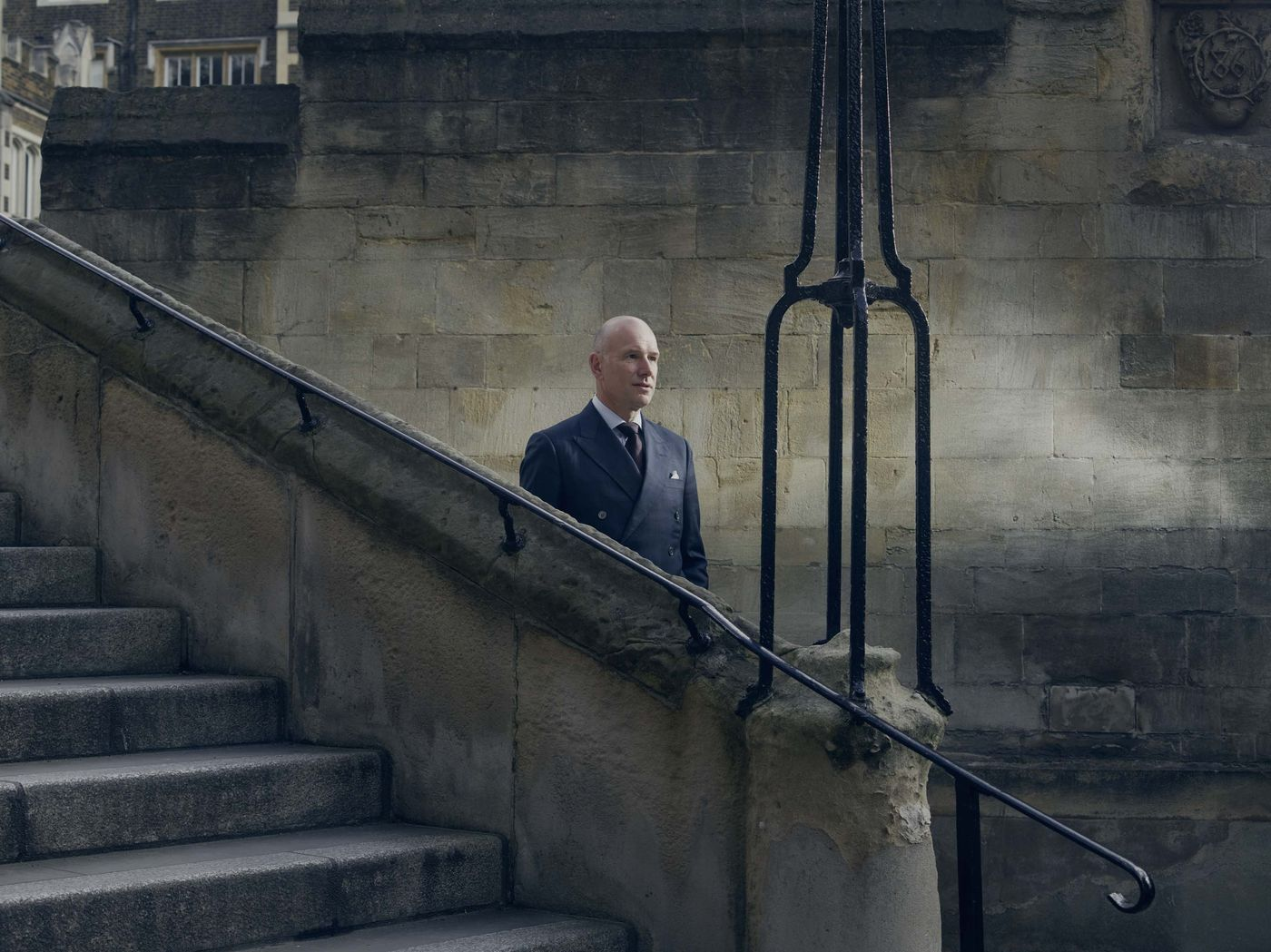 The Exquisitely English (and Amazingly Lucrative) World of London Clerks - Bloomberg