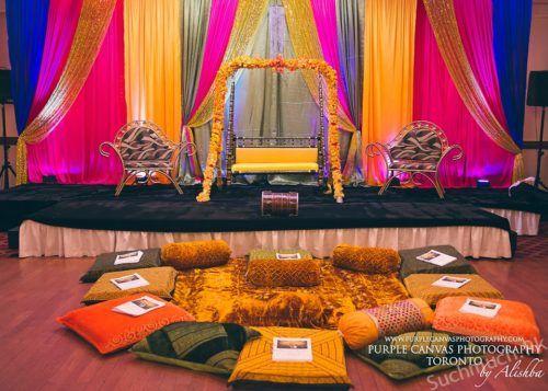 Trendy Mehndi Stage Decoration Ideas 2017, Mehndi Stage