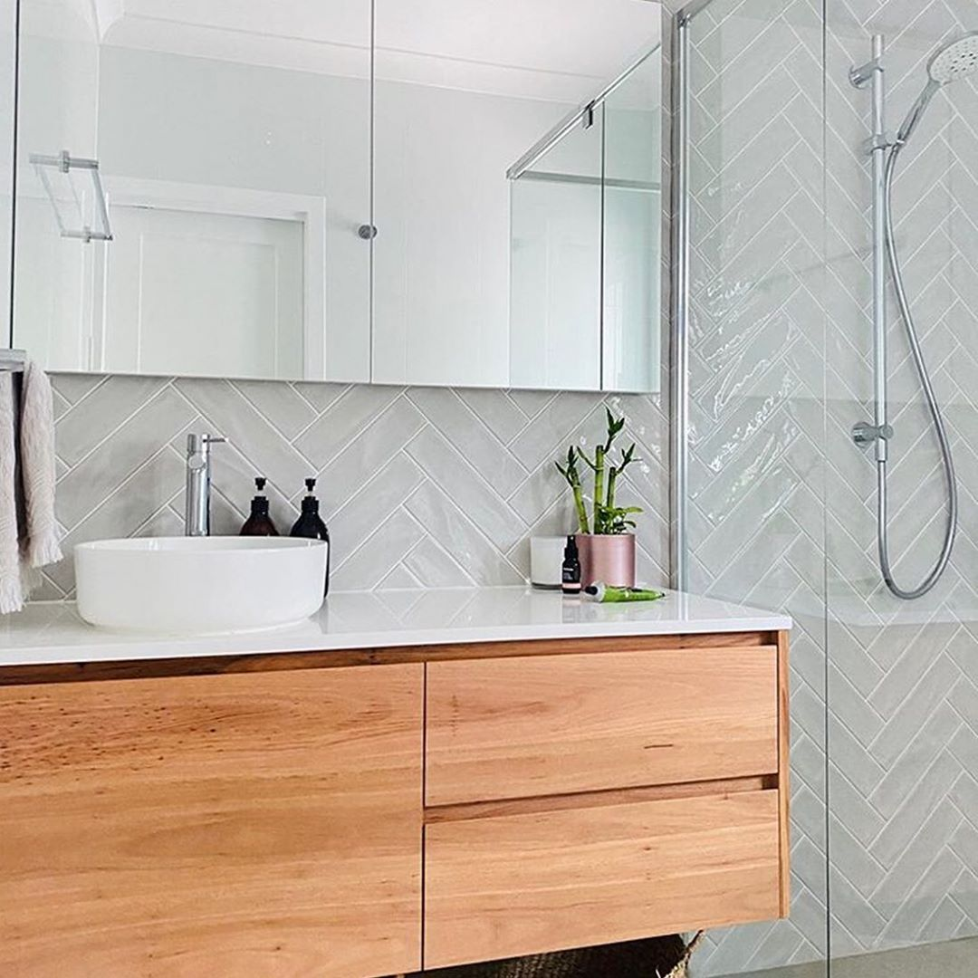 Pin by Rachelle O'Donnell on House in 2020 | Bathroom ...