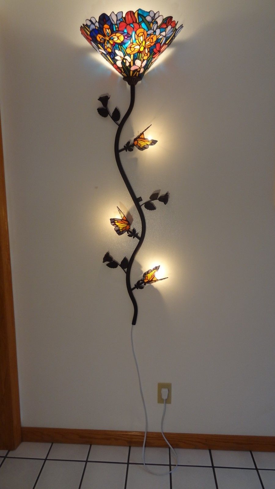 Wall Decor Lamps : Tiffany style stained glass butterfly spree wall lamp