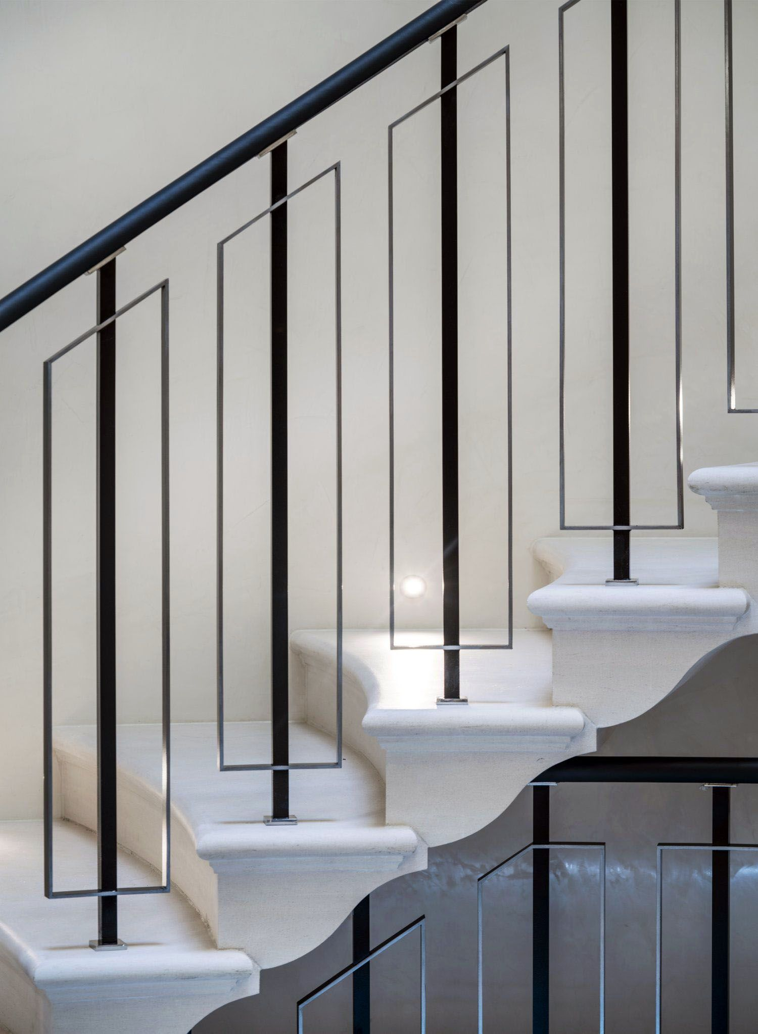 The Next Level 14 Stair Railings To Elevate Your Home Design Homes Tre Staircase Railing Design Stair Railing Design Interior Stairs