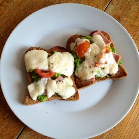 Be Gluten Free - Brighton: Goats Cheese & Avocado Crostini
