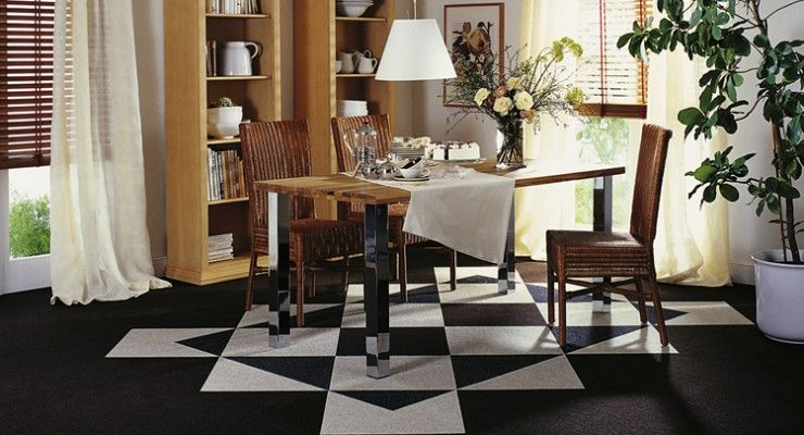 Leuke Tretford tapijttegels in de eetkamer met