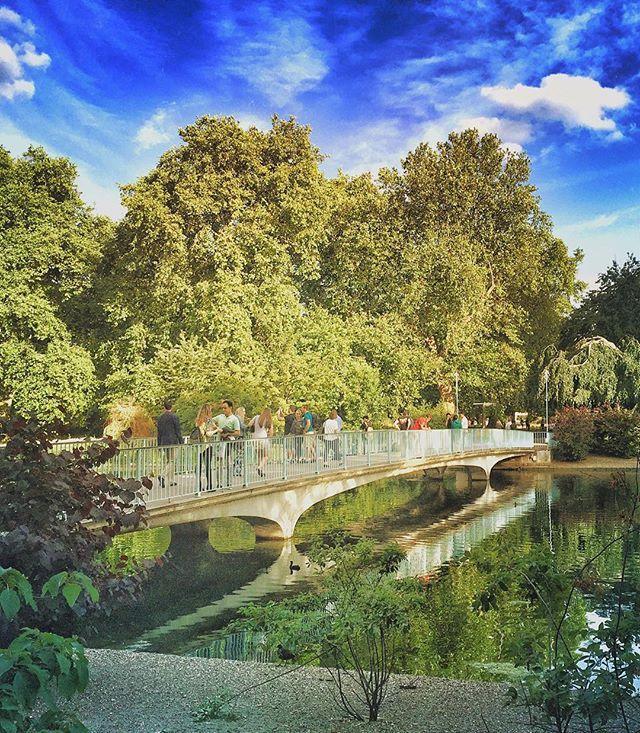 A Bridge #london #londres #LoveGreatBritain #bdviajes #RedArgTB #EuropaATB #igers #travel #latergram (June 2015)