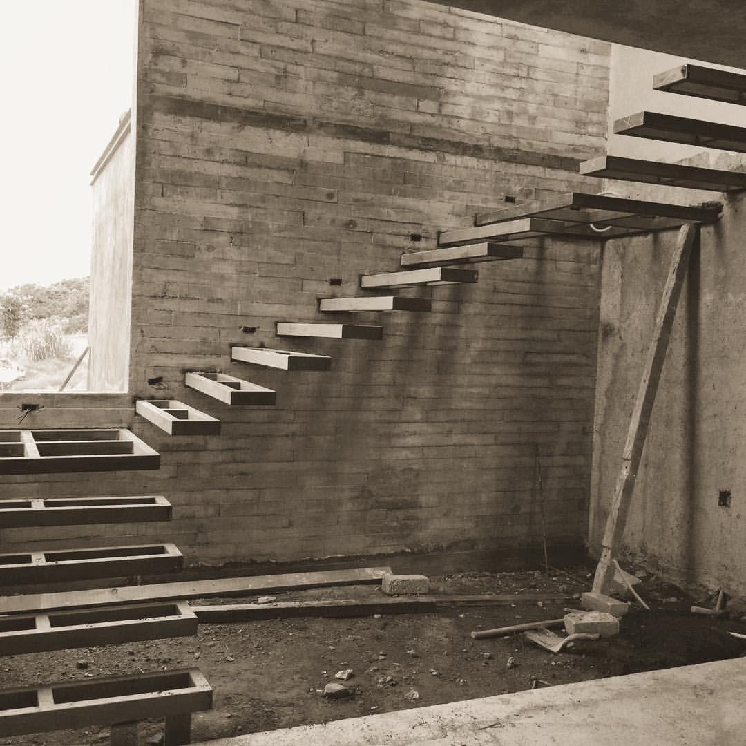 Empezando Escalera Volada Casaarbo Difrennaarquitectos