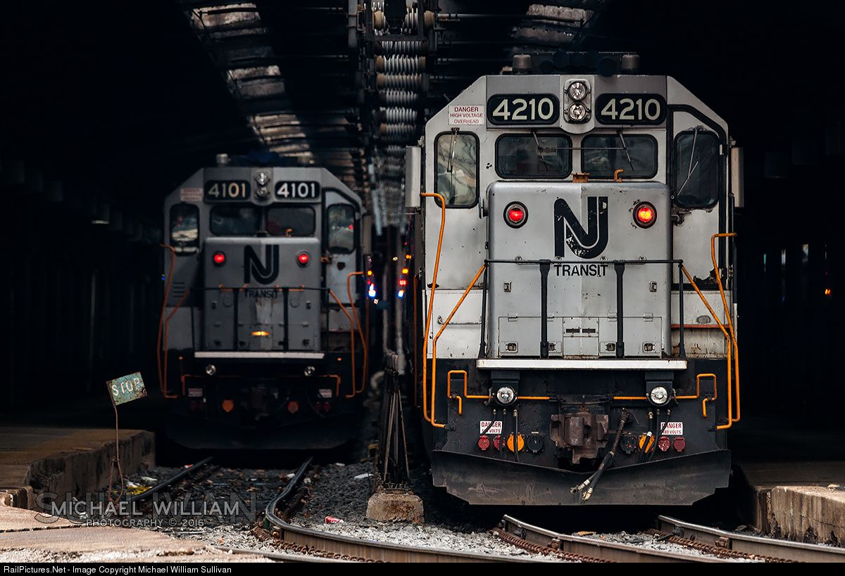 Photo NJTR 4210 NJ Transit EMD GP40PH2B