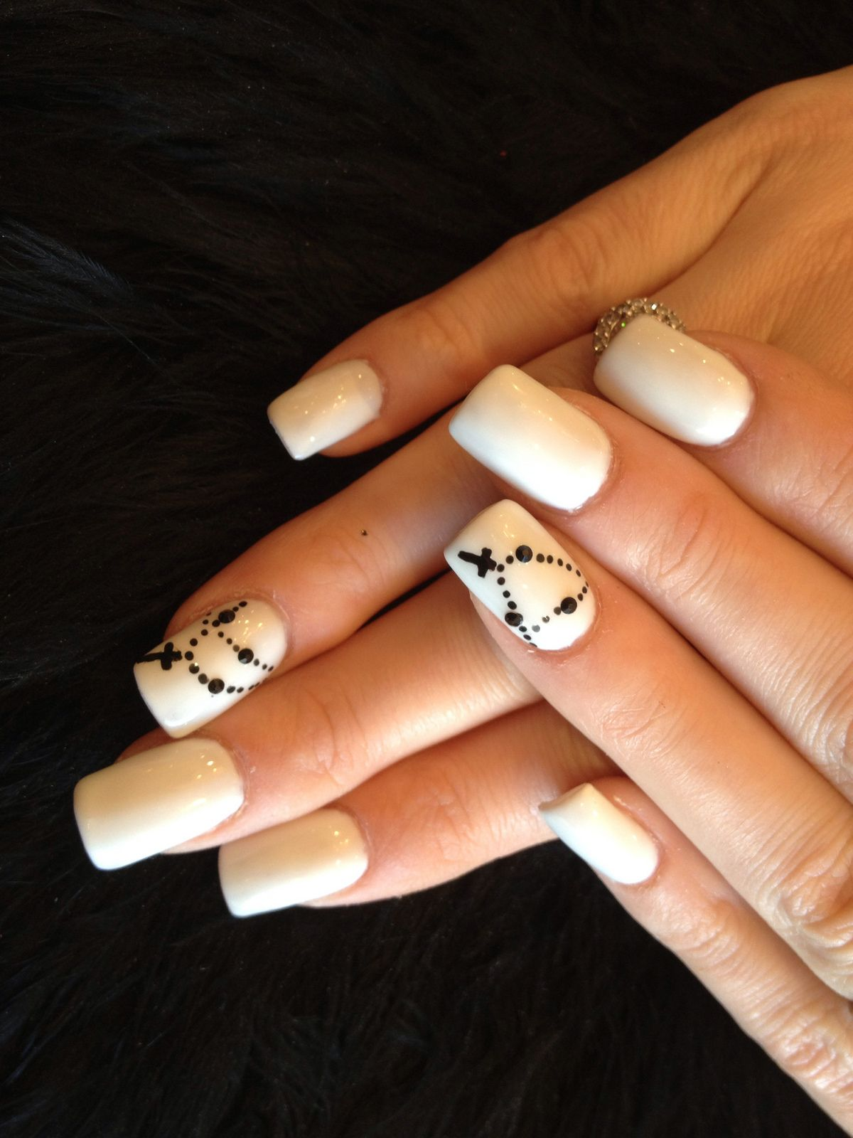Simple Nails Styles: Simple Acrylic Nail Art Design With Black Chain Cross