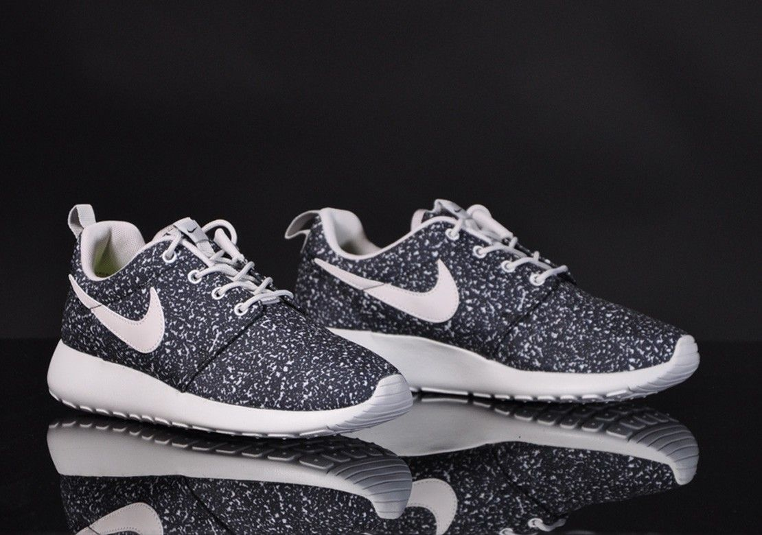 Damen Sneaker Nike Roshe Run schwarz weiß