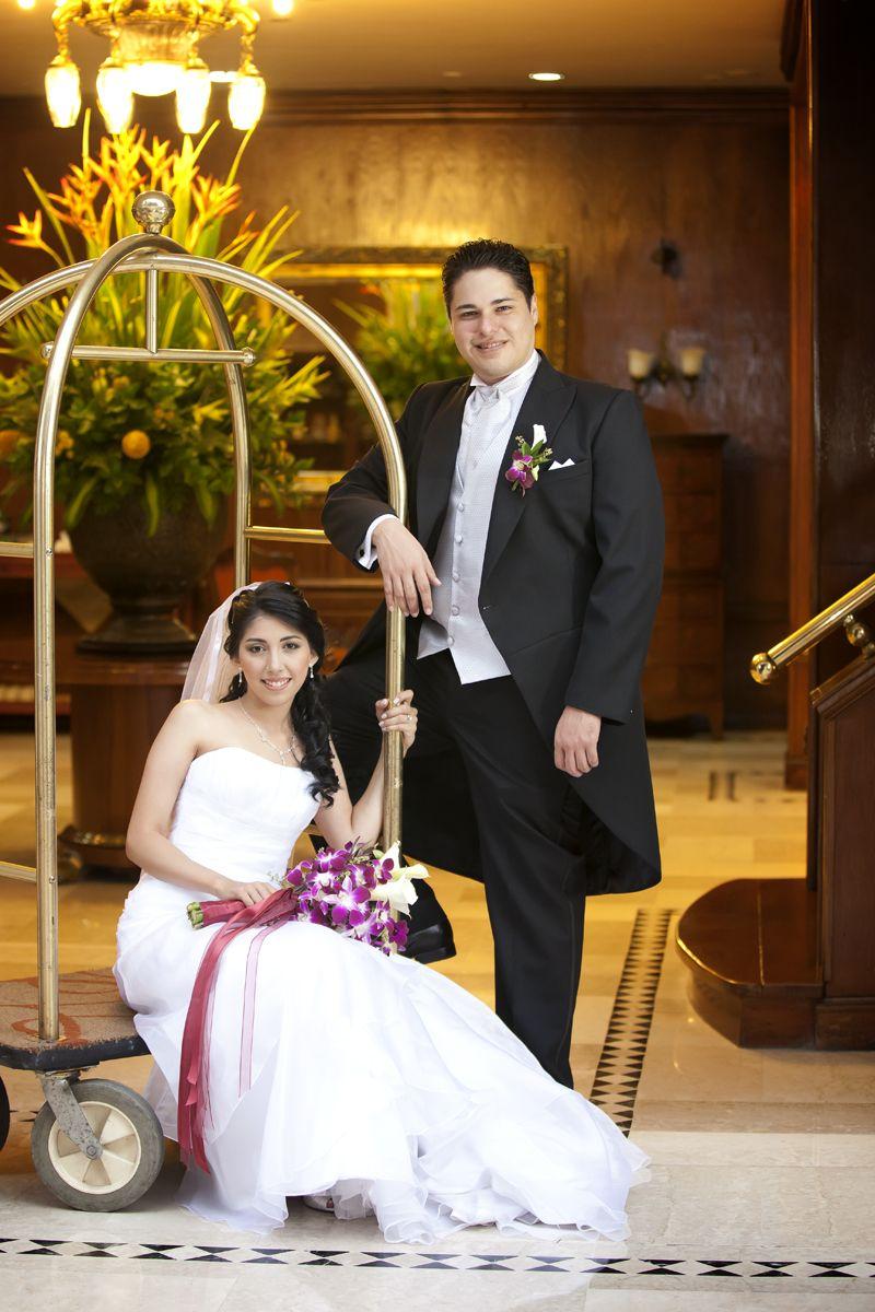 Los detalles en la fotografía y el video de bodas no se pueden olvidar, por esta razón les presentamos algunas fotos de los eventos en los que ha tenido la oportunidad de estar Agustín Bedoya Fotografía y Video. www.agustinbedoya.com Fotografos de Bodas en Medellín-Colombia