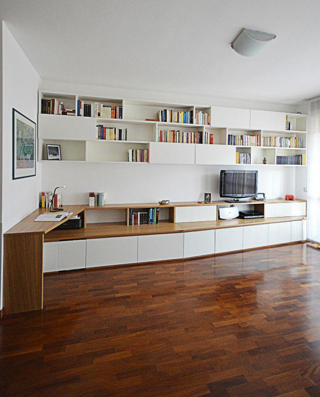 Arredamento moderno arredamento soggiorno mensole for Scaffale da scrivania