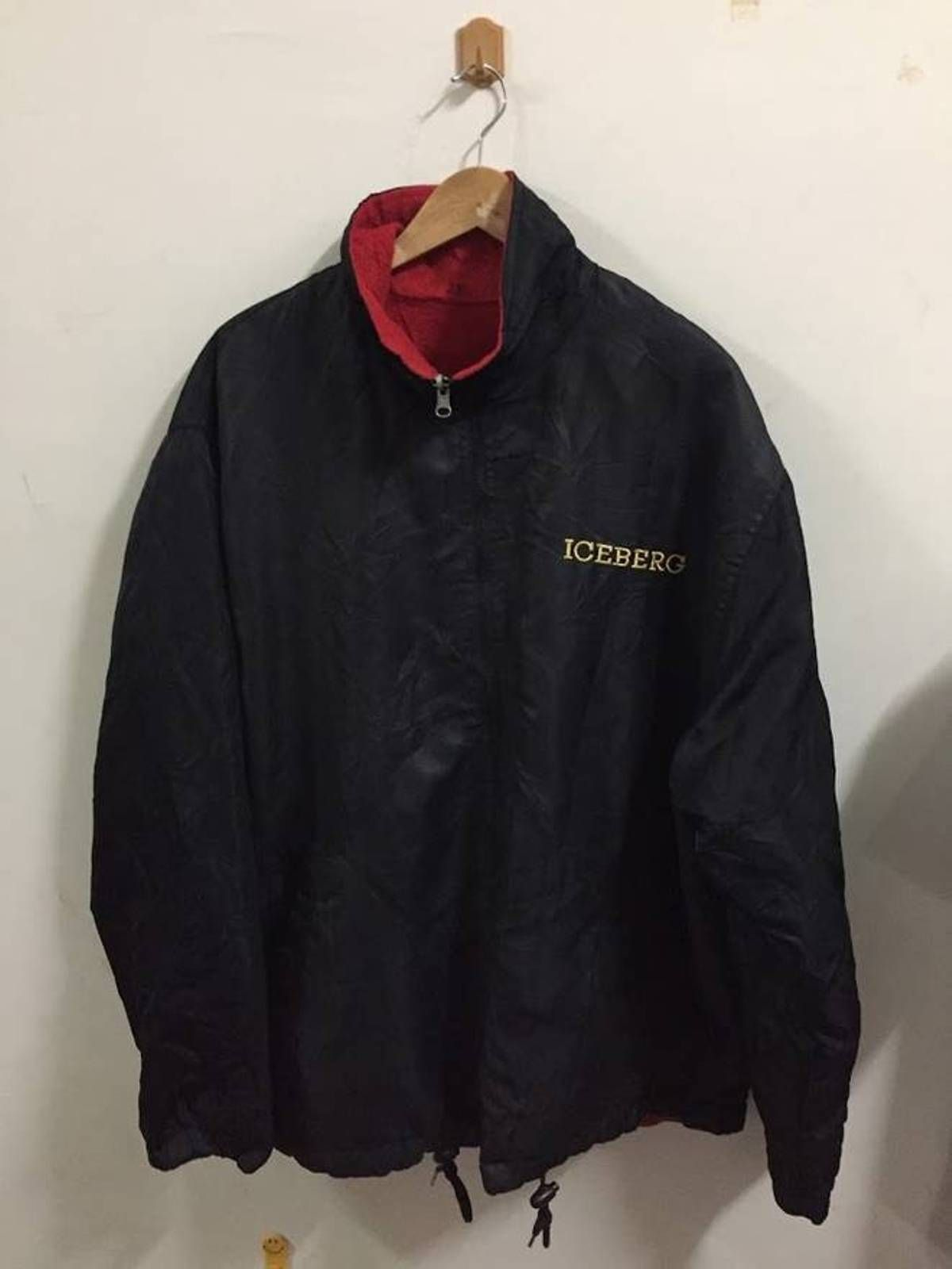 Iceberg Iceberg Mickey Jacket Size Xxl Mouse Pull Over Size Xxl Jackets For Sale Heroine Jackets Online Vintage Shop Outerwear [ 1600 x 1200 Pixel ]