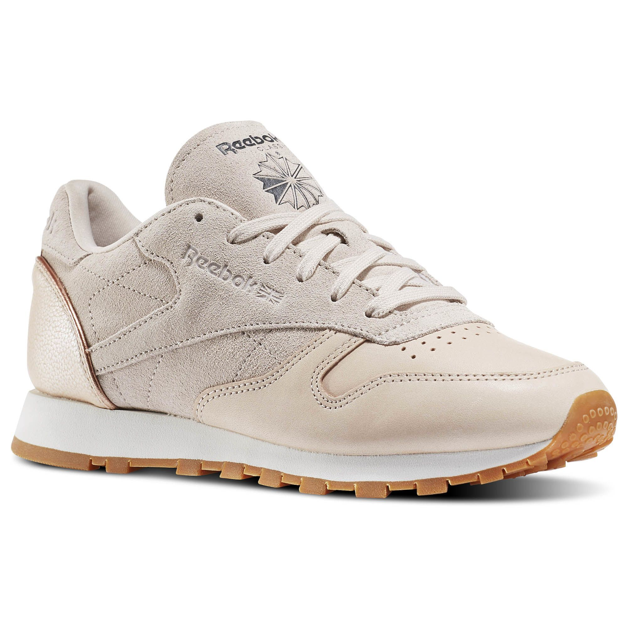 7e74afdde4148 Reebok - Tênis Classic Leather Golden Neut