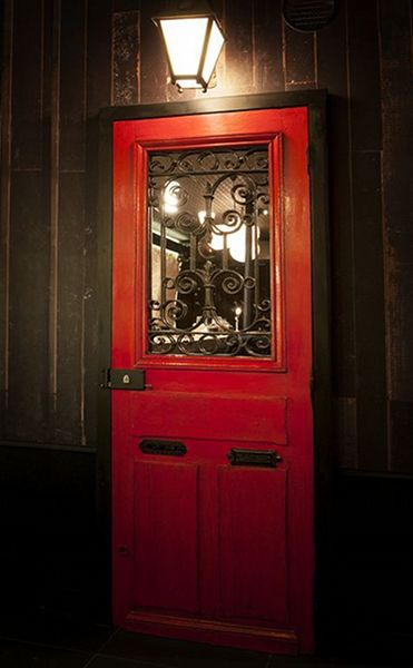 little red door 60 rue charlot 75003 tester door. Black Bedroom Furniture Sets. Home Design Ideas