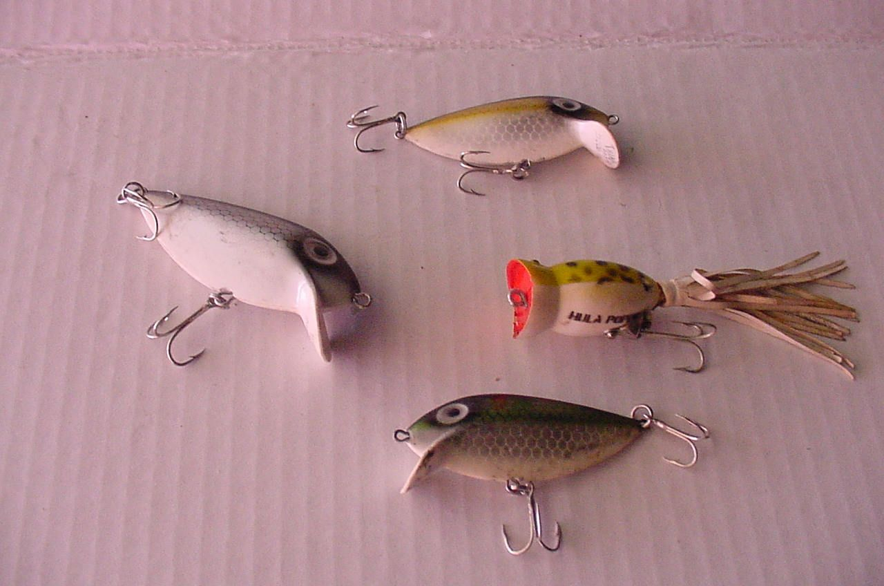 Authentic Fishing Lure Collection Patented Thin Fins Hula Popper