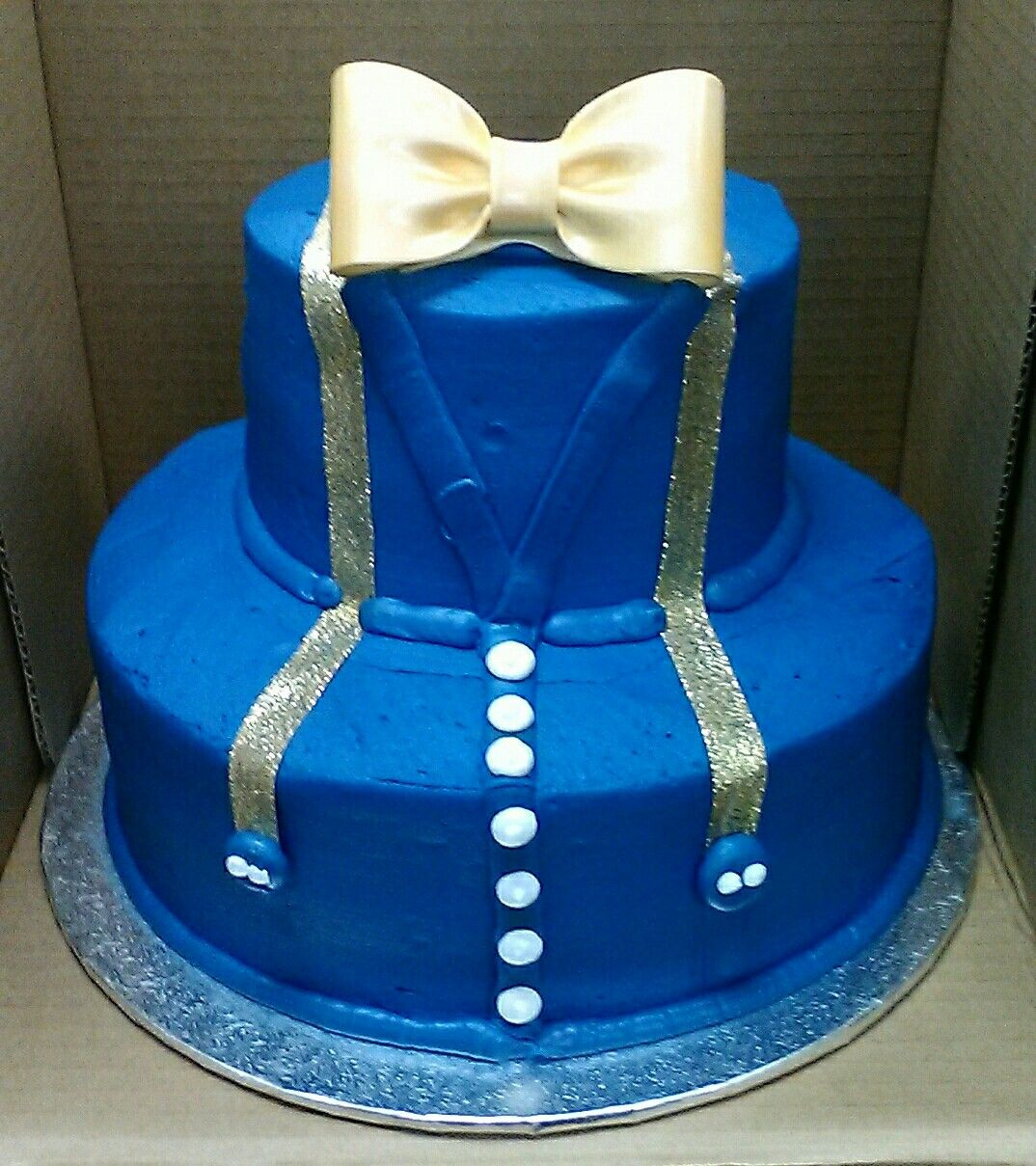 Royal blue and gold Large gold bow Buttercream icing 2